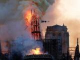Vụ hỏa hoạn kinh hoàng ở nhà thờ Đức Bà Paris