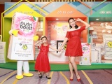 Ốc Thanh Vân và con gái trải nghiệm sản phẩm sữa nước mới