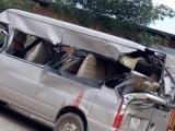 Bắc Giang: Xe tải va chạm xe 16 chỗ, 3 người thương vong