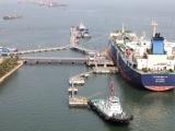Việt Nam nhập khẩu gần 2,9 triệu tấn xăng, dầu sau 4 tháng