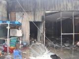 TP.HCM: Cháy kho xưởng giường nệm y tế rộng gần 1.000m2