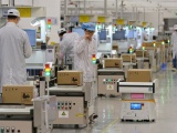 Foxconn tạm dừng một số dây chuyền sản xuất điện thoại Huawei