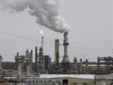Giá dầu thế giới giảm hơn 1%