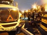 Đà Nẵng: Xe container tông xe máy, 4 người thương vong