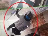 Cướp xông vào ngân hàng Vietcombank nã nhiều phát súng
