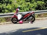 Đà Nẵng: Xe máy đổ đèo, 2 bà cháu rơi xuống vực tử vong