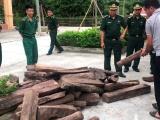 Hà Tĩnh: Bắt vụ vận chuyển gỗ lậu và ma túy tổng hợp trái phép từ Lào về Việt Nam