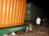 Tàu trật bánh khiến đường sắt Bắc – Nam tê liệt nhiều giờ