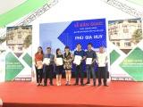 Hơn 300 khách hàng phấn khởi nhận bàn giao sổ hồng tại dự án Phú Gia Huy