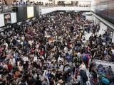 13.000 khách mắc kẹt qua đêm ở sân bay Tokyo do bão Faxai