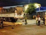 TP.HCM: Xe tải tông xe máy ở chợ đầu mối, 3 người thương vong