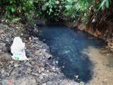 Bắt 2 nghi phạm đổ dầu thải vào nguồn nước sông Đà