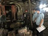 Quảng Ninh: Tiêu hủy gần nửa tấn chả mực nhập lậu từ Trung Quốc