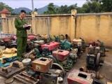 Yên Bái: Thu giữ hàng loạt máy móc khai thác đá quý trái phép