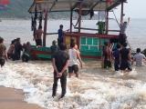 Hà Tĩnh: Kịp thời ứng cứu thuyền viên gặp nạn trên biển