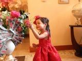 Vũ Cẩm Nhung cùng gia đình nhỏ của cô tổ chức sinh nhật cho con gái Vi Anh tròn 2 tuổi