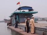 Quảng Ninh: Bắt giữ tàu chở hàng trăm mét khối cát không rõ nguồn gốc