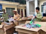 Thanh Hóa: CSGT bắt xe tải trở đồ chơi bạo lực do Trung Quốc sản xuất
