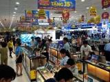 Các cửa hàng điện máy 'tung chiêu' kích cầu mua sắm dịp Tết