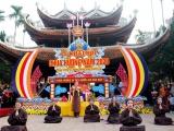 Khai hội chùa Hương: 'Lễ hội kỷ cương - văn minh du lịch'