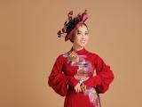 Ca sĩ Hà Phương kết hợp áo dài cách tân với mũ quý tộc