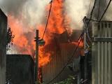 Hà Nội: Cháy lớn tại xưởng gỗ ở Long Biên