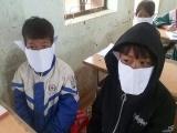Nghệ An: Nhân viên thư viện và hiệu trưởng bị kỉ luật vì đăng ảnh HS đeo khẩu trang giấy