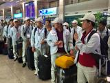 Việt Nam tiếp tục hỗ trợ lao động ở vùng dịch Covid-19 về nước