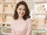 Diễn viên Hồng Diễm nổi bật với những gam màu đơn sắc, thanh lịch