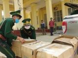 Nghệ An: Bắt giữ xe vận chuyển trái phép số lượng lớn khẩu trang y tế sang Lào