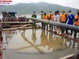 Hà Tĩnh: Bắt giữ tàu khai thác trái phép cát trên biển