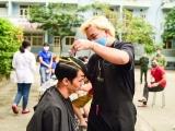 Phòng dịch Covid-19, Công ty than Quanh Hanh tổ chức cắt tóc miễn phí cho cán bộ, công nhân