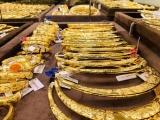 Giá vàng và ngoại tệ ngày 13/5: Vàng treo cao, USD suy yếu