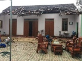 Nghệ An: Dông lốc cuốn bay nhiều nhà cửa, hoa màu