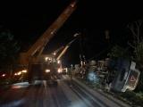 Quảng Ninh: Xe container đè bẹp xe con, 3 người tử vong