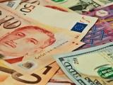 Giá vàng và ngoại tệ ngày 9/7: Vàng tăng phi mã, USD quay đầu giảm