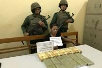 Sơn La: Bắt đối tượng vận chuyển 12 bánh heroin, 36 nghìn viên ma tuý