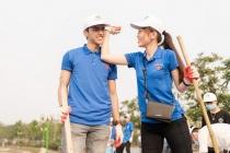Á hậu Phương Nga cùng bạn trai tham gia 'Thử thách dọn rác'