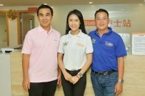 MC Quyền Linh cùng ê kíp ''Mở cửa tương lai'' thăm bệnh nhân ung thu tại Quảng Châu
