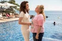 Quý Cô Lừa Đảo: Tưởng Anne Hathaway đã đẹp nhưng có một kiều nữ khác còn 'khủng' hơn