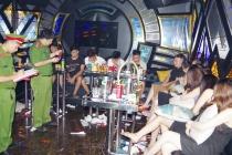 Hà Nam: Bắt giữ 28 đôi nam nữ 'bay lắc' trong quán karaoke