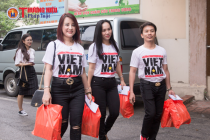 Hoa hậu Sandy Nguyễn cùng các hoa hậu, nhà hảo tâm trao quà tại Bệnh viện châm cứu Trung Ương