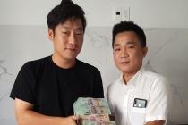 Chủ nhà hàng ở Hội An trả lại gần 1,6 tỷ cho du khách Hàn Quốc bỏ quên