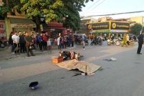 Thanh Hóa: Xe khách bốc cháy, xe tải cán chết người