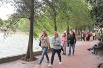 Dự báo thời tiết ngày mùng 2 Tết: Bắc Bộ rét buốt, Nam Bộ nắng ấm