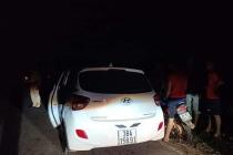 Bắt giữ tài xế ô tô hất CSGT lên nắp capo rồi bỏ chạy