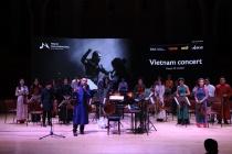 Hơn 50 người hoà giọng 'Chú đại bi' cùng dàn nhạc Maius Philharmonic