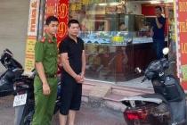 Hà Nội: Khởi tố, bắt tạm giam 3 tháng đối tượng cướp tiệm vàng Sông Giang