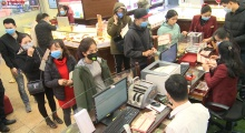 Hà Nội: Nhiều tiệm vàng chuẩn bị tốt công tác phòng dịch nCoV trong ngày Vía Thần Tài