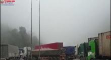 Hà Tĩnh: Cửa khẩu Quốc tế Cầu Treo quá tải  các phương tiện, ùn tắc do nhập cảnh tránh dịch Covid -19